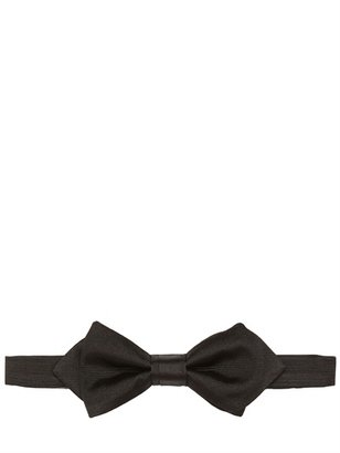 Christian Dior Pointed Bow Tie