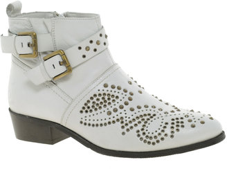 Bronx Studded Buckle Boot