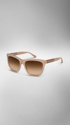 Burberry Wood Detail Square Frame Sunglasses