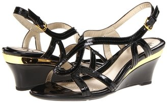 Sofft Paharita (Black Patent Leather) - Footwear