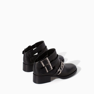 Zara Chelsea Leather Ankle Boot With Chain Detail