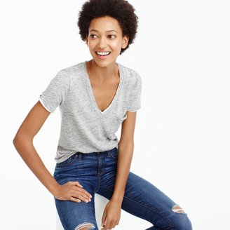 Linen V-neck pocket T-shirt $36.50 thestylecure.com