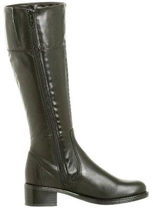 La Canadienne Women's Passion Boot $149.99 thestylecure.com