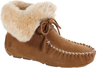 Women's Acorn Sheepskin Moxie Boot $139.95 thestylecure.com