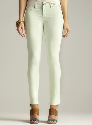 Fragile Colored Skinny Ankle Jean
