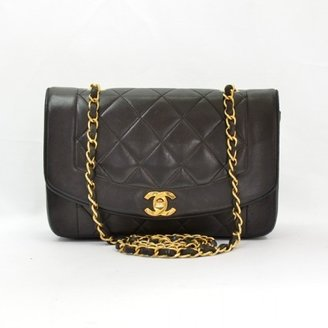 Chanel very good (VG Black Quilted Lambskin Classic Shoulder Bag