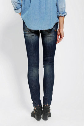 Urban Outfitters Dittos Jessica Low-Rise Skinny Jean