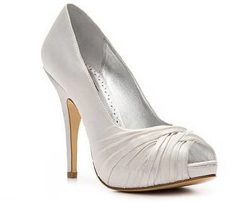 Townsend Lulu Bridal Gretchen Satin Pump