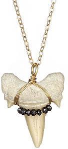Arcatus Bite Necklace