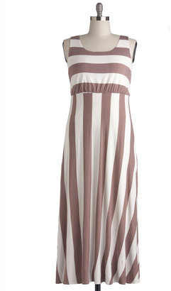 Top of the Byline Dress in Taupe