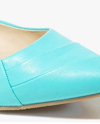 Forever 21 Pointed Retro Flats