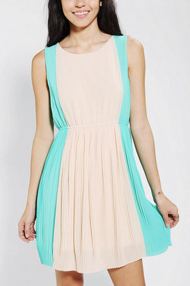 Urban Outfitters Olive & Oak Colorblock Pleated Dress