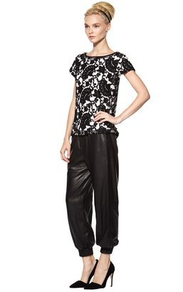 Alice + Olivia Connie Drop Shoulder Boxy Tee