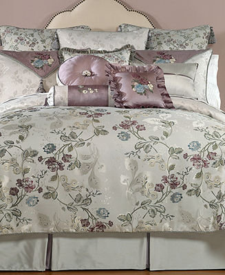 Waterford CLOSEOUT! Bedding, Ciara Queen Comforter