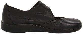 ARCOPEDICO Ellery Women's Slip on Shoes