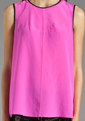 Juicy Couture Sleeveless Contrast Bound Top