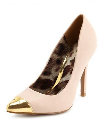 Gold Toe Pointed Pump