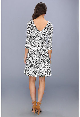 Maggy London 3/4 Sleeve Printed Jersey Double V-Neck Dress