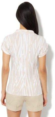 New York & Co. Short-Sleeve Knit Top - Bamboo Print