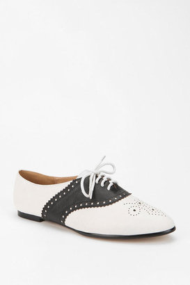 Urban Outfitters Cooperative Two-Tone Saddle Oxford