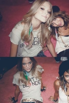 Wildfox Couture Dirty Blonde Tee in Smog