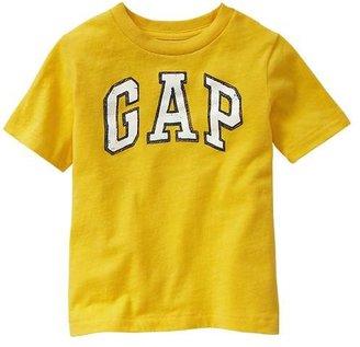 Gap Chalk arch logo tee