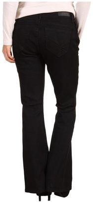 Calvin Klein Jeans Petite - Petite Powerstretch Denim Curvy Boot Jean in Black (Black) - Apparel
