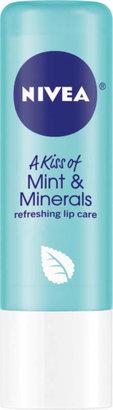 Nivea A Kiss of Mint & Minerals Refreshing Lip Care