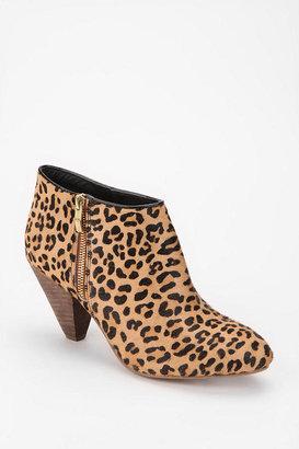 Kimchi & Blue Kimchi Blue Leopard Print Calf Hair Ankle Boot