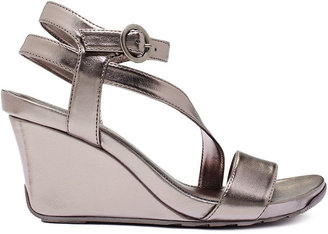 Kenneth Cole Reaction Women's Shoes, Cedar Crush Platform Wedge Sandals