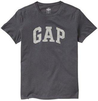 Gap Contrast arch logo T
