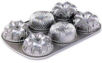 Nordicware Garland Bundt Pan Silver