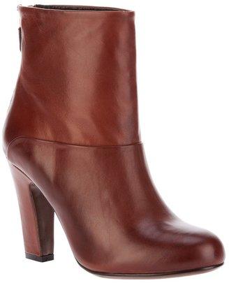 Lola Cruz ankle boot