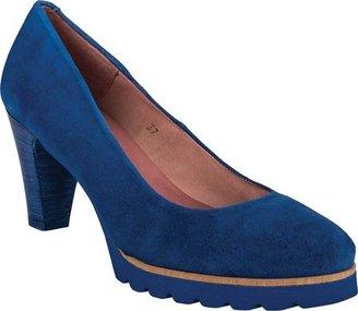 Women's Andre Assous Glaze $235 thestylecure.com