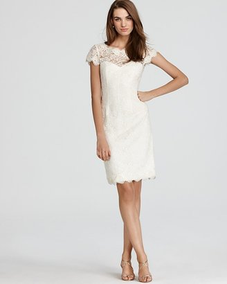 Monique Lhuillier Lace - Cap Sleeve Sheath