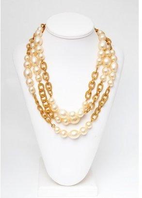 Chanel pristine (PR Baroque Pearl and Chain Necklace