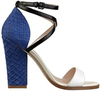 GUESS Sileno Color-Blocked Sandals