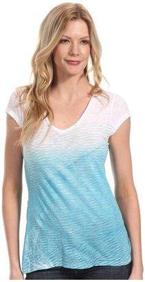 Calvin Klein Jeans Petite - Petite Wave Lengths V-Neck Tee (Calypso Blue) - Apparel