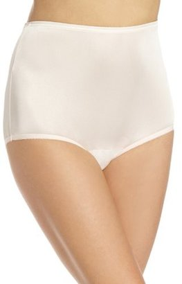 Vanity Fair Women's Perfectly Yours Ravissant Tailored Brief Panty 15712 $10 thestylecure.com