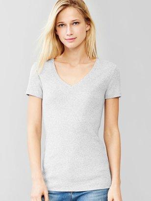 Gap Favorite short-sleeve V-neck tee