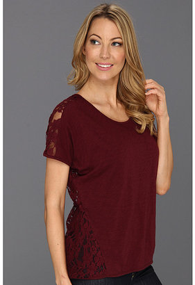 Vince Camuto TWO by Short Sleeve Lace Back Tee