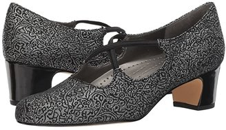 Trotters Jamie (Black/Silver Brocade Fabric) Women's 1-2 inch heel Shoes
