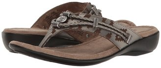 Minnetonka - Silverthorne Thong Women's Sandals $49.95 thestylecure.com