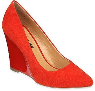 JCPenney Cosmopolitan Emily Wedge Pumps