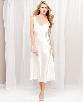 Jones New York Luxurious Lace Bridal Gown
