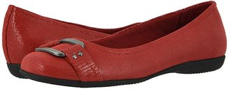 Trotters Sizzle Signature (Red) Women's Flat Shoes