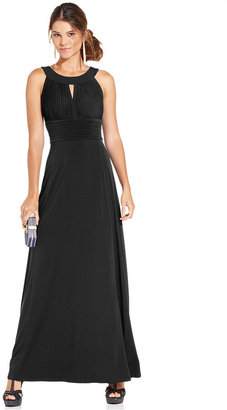 Sangria Sleeveless Keyhole Gown $89 thestylecure.com
