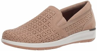 Walking Cradles Womens Orleans Light Taupe Perforated Nubuck 9 M (B)