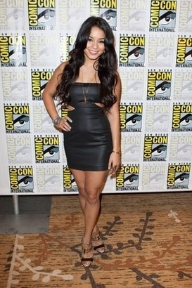 Black Halo Caitlyn Dress in Black $359 thestylecure.com