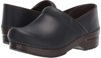 Dansko Professional (Black/Natural Oiled) Women's Clog Shoes